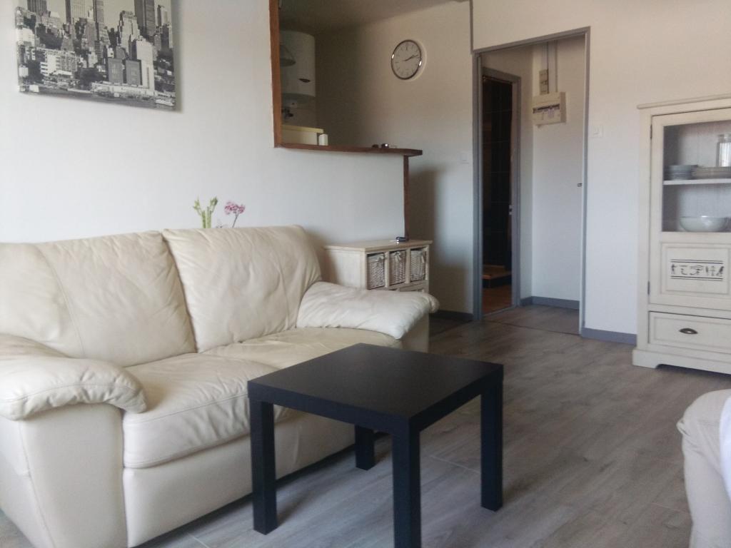 Location immobilière par particulier, La Garde-Adhémar, type appartement, 32m²