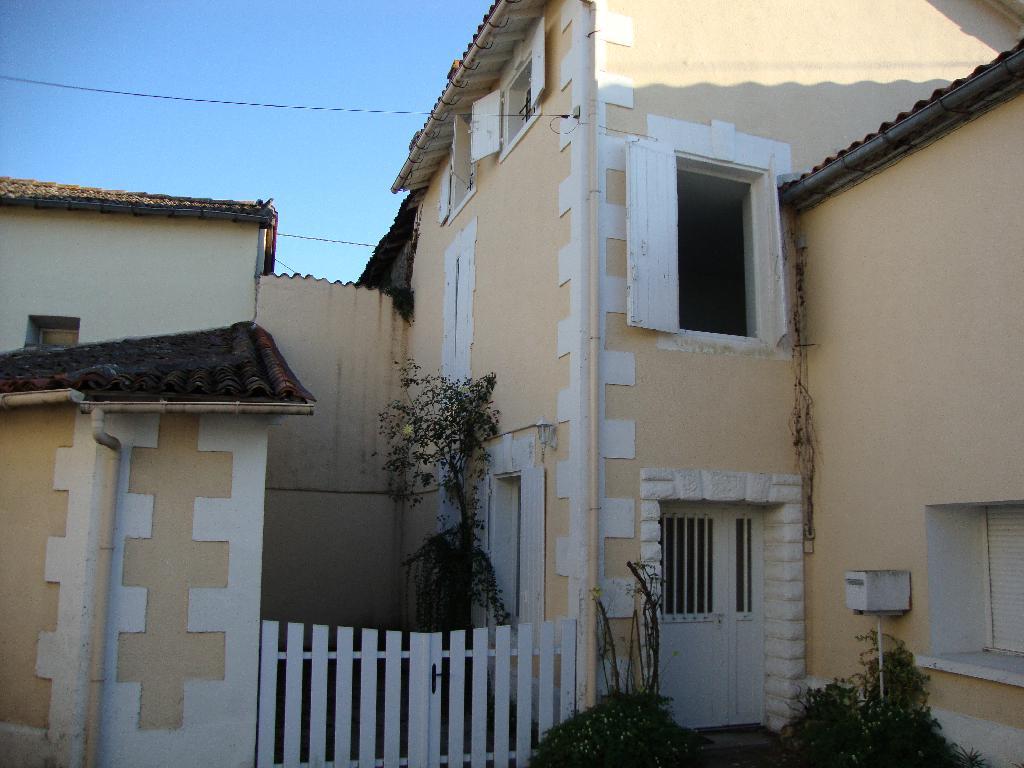 Location particulier Vœuil-et-Giget, maison, de 105m²