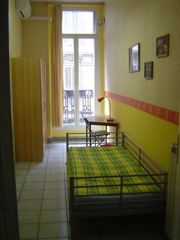 Location immobilière par particulier, Marseille 01, type chambre, 20m²