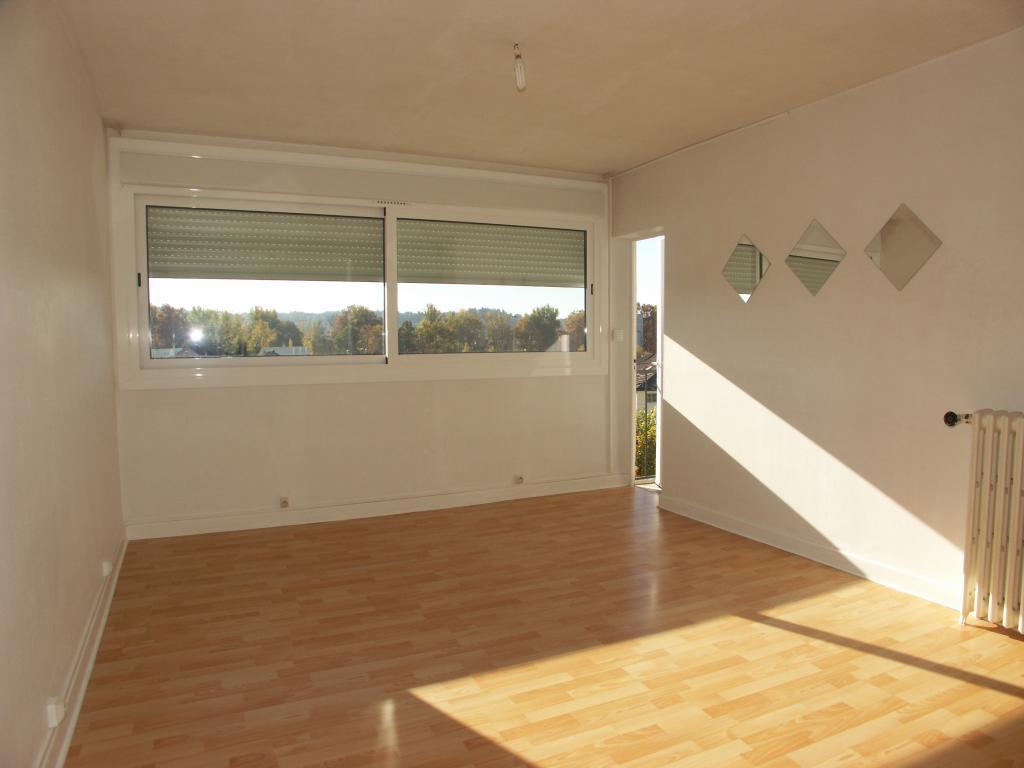 Location particulier à particulier, appartement, de 59m² à Brive-la-Gaillarde