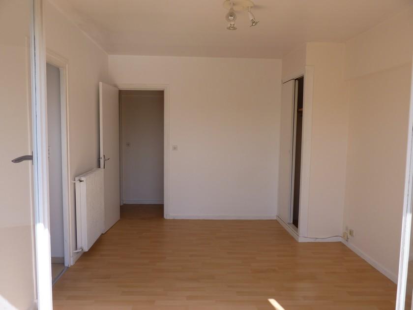 Entre particulier , studio, de 24m² à Pau