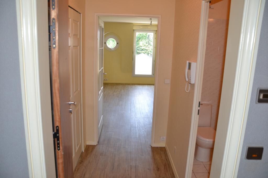 Location appartement entre particulier Dammarie-les-Lys, studio de 30m²