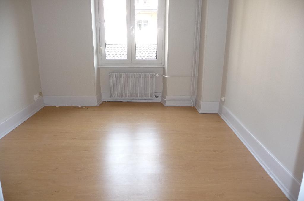 location appartement belfort particulier. Black Bedroom Furniture Sets. Home Design Ideas