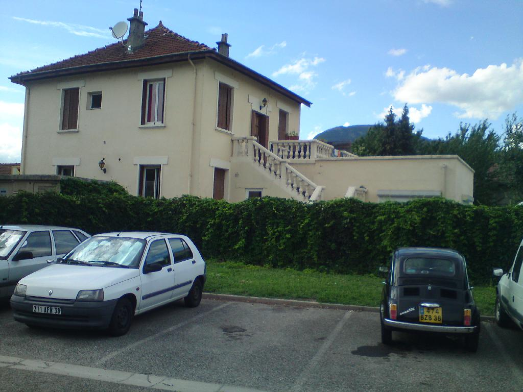 Location maison F6 St Martin d'Heres - Photo 1