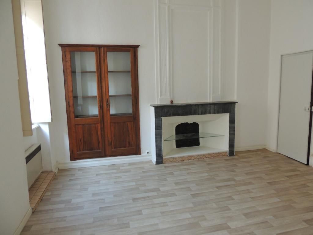 Appartement particulier, appartement, de 58m² à Vénéjan