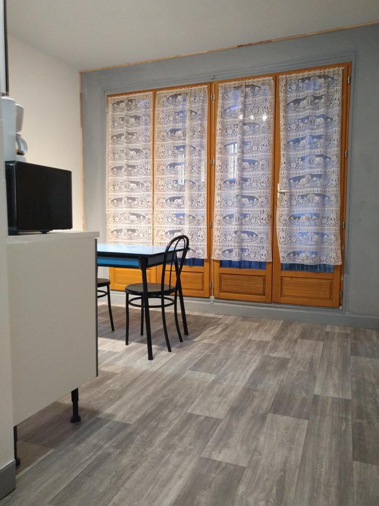 Location immobilière par particulier, La Chapelle-Taillefert, type appartement, 36m²