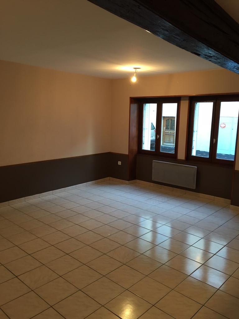 De particulier à particulier, appartement à Saint-Jean-d'Ardières, 52m²
