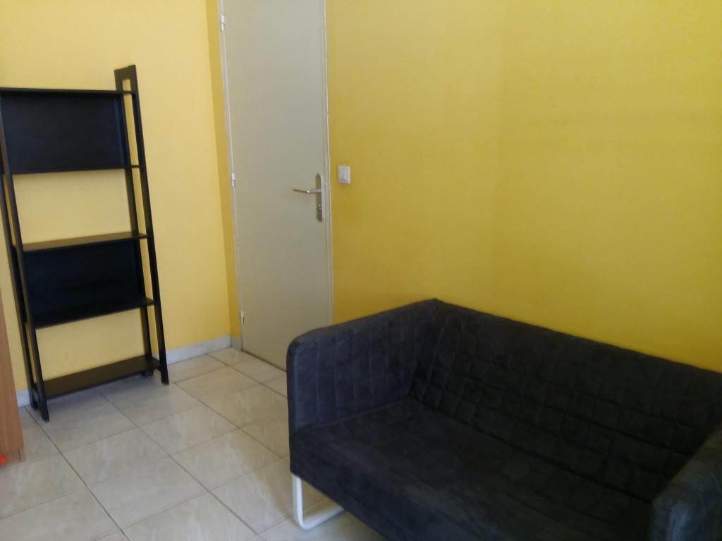 Location appartement entre particulier Marseille 01, chambre de 25m²