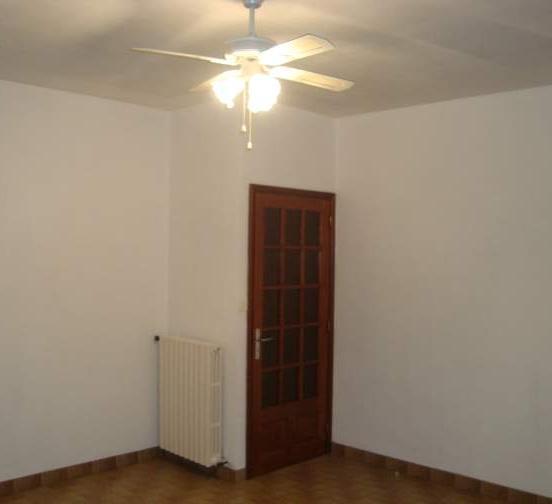 Entre particulier , appartement, de 70m² à Valvignères