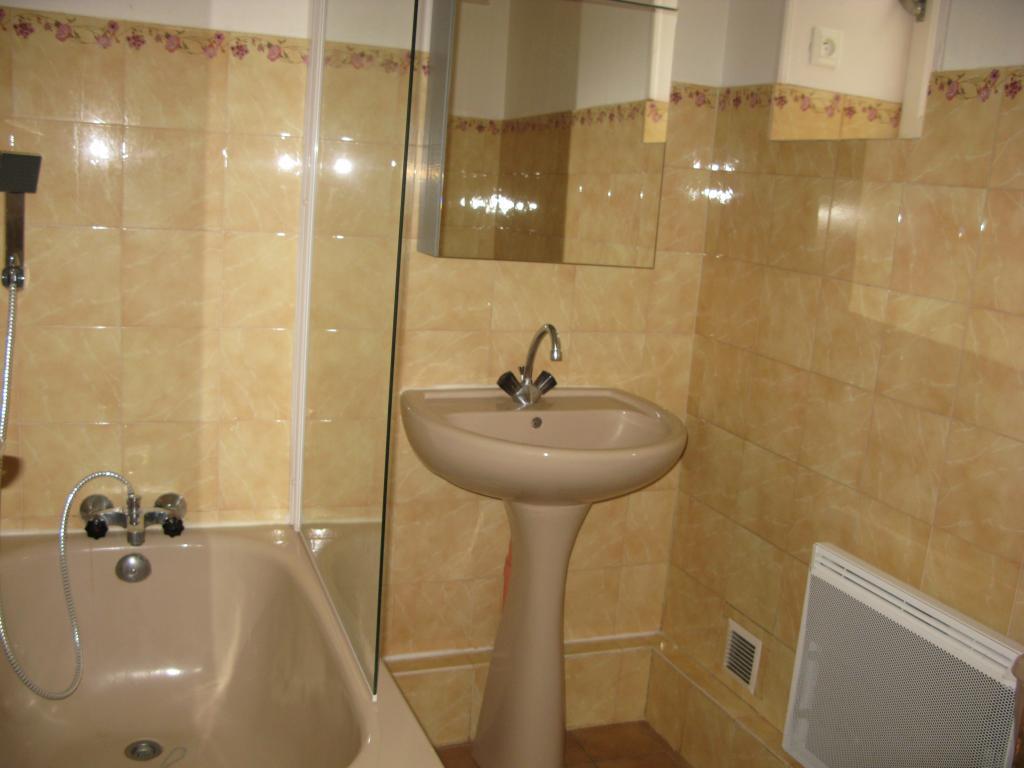 Location immobilière par particulier, Brive-la-Gaillarde, type appartement, 50m²
