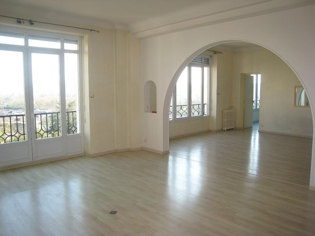 De particulier à particulier, appartement à Pau, 146m²
