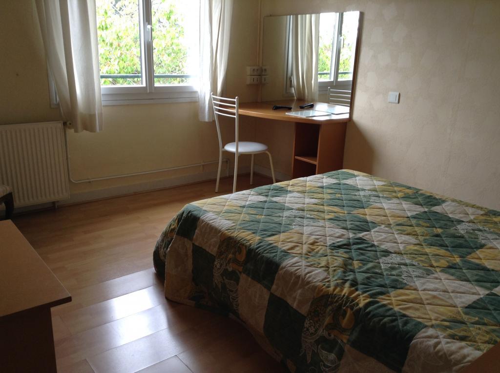 Location appartement entre particulier Saint-Éloi, chambre de 15m²