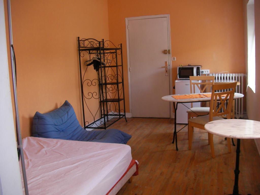 Location appartement entre particulier Saint-Germain-du-Corbéis, chambre de 20m²