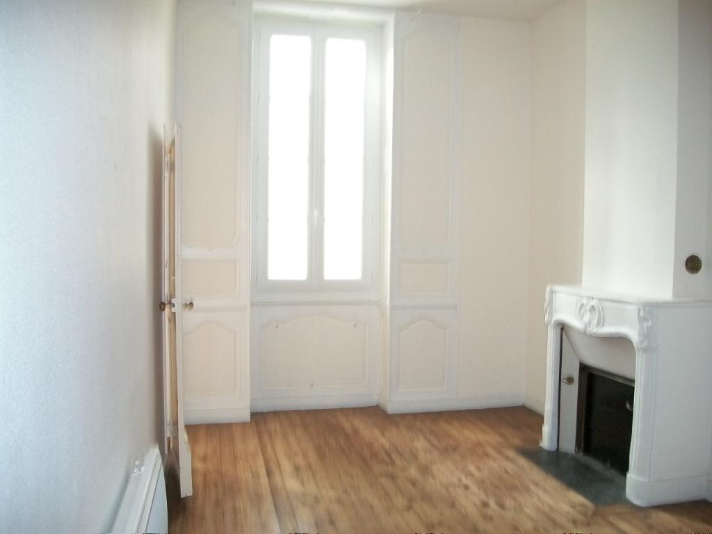 Location immobilière par particulier, Rochefort, type appartement, 65m²