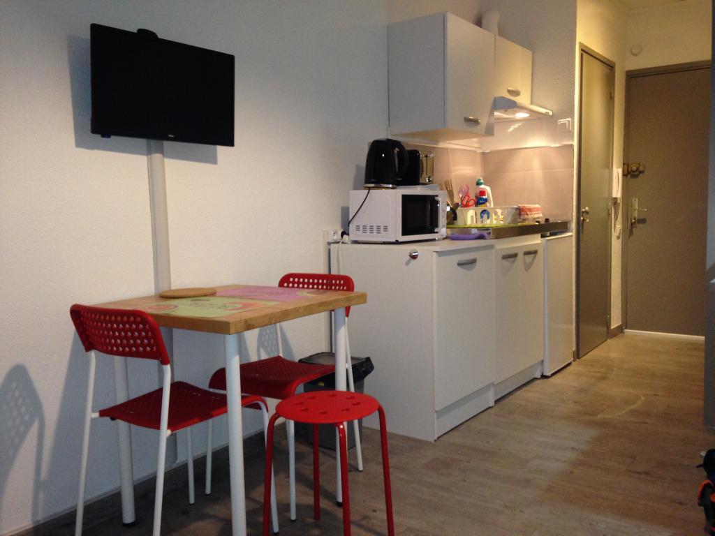 Location particulier Marseille 05, studio, de 16m²