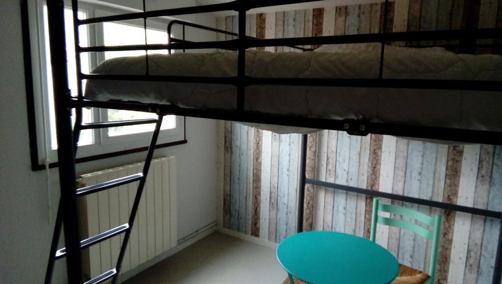 De particulier à particulier, chambre à Vœuil-et-Giget, 10m²