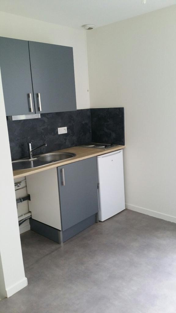 Location appartement entre particulier Saint-Pouange, studio de 26m²