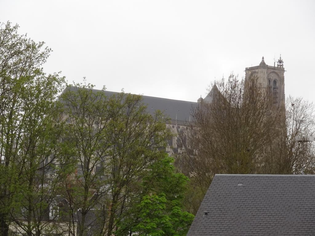 Location immobilière par particulier, Bourges, type appartement, 65m²