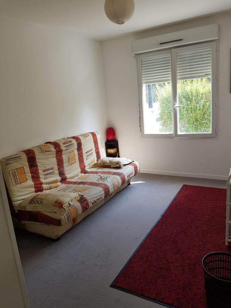 De particulier à particulier Évry, appartement chambre de 11m²