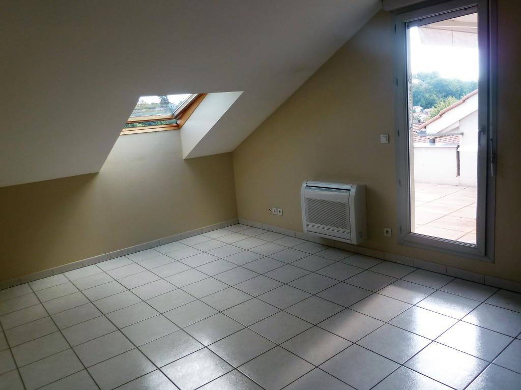De particulier à particulier , appartement, de 40m² à Décines-Charpieu