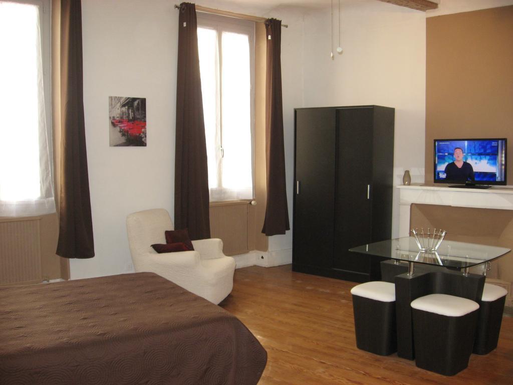 Location particulier à particulier, studio, de 40m² à Montélimar