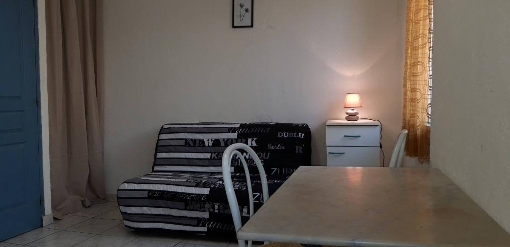 Appartement particulier à Aubagne, %type de 20m²