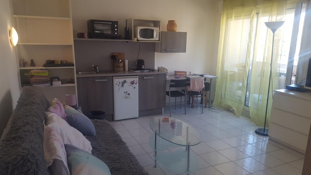 Location immobilière par particulier, Marseille 06, type studio, 26m²