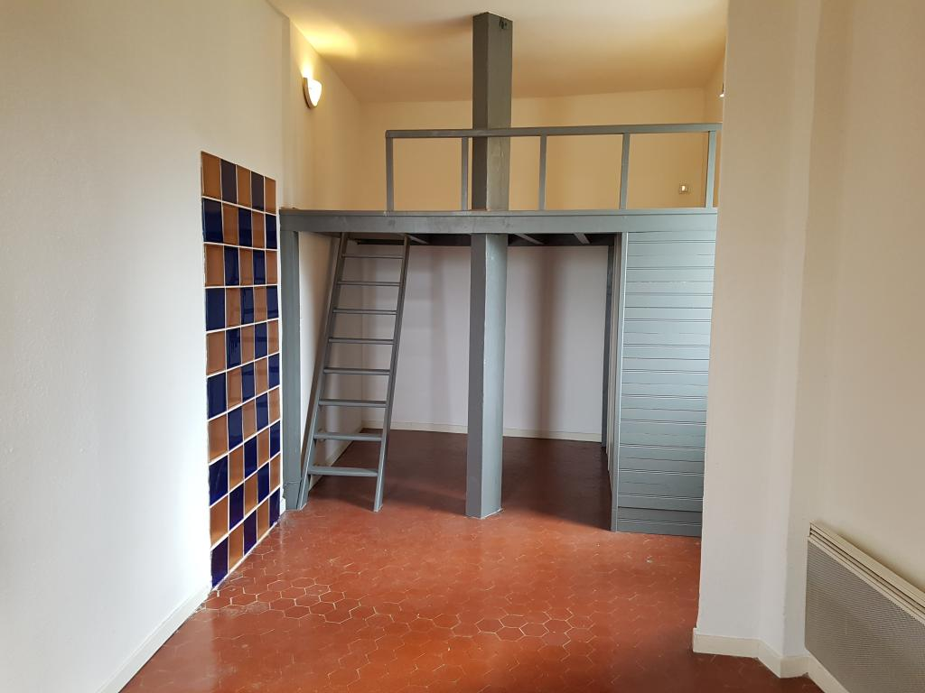 Appartement particulier, studio, de 35m² à Marseille 06