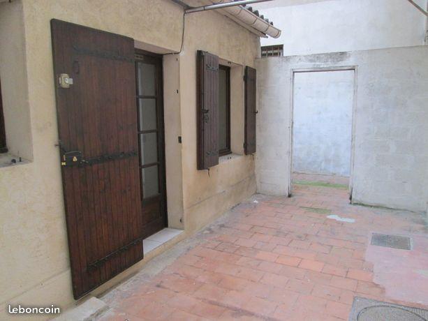 Location de particulier à particulier à Marseille 06, appartement studio de 16m²