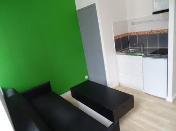 De particulier à particulier, studio à Quimper, 16m²