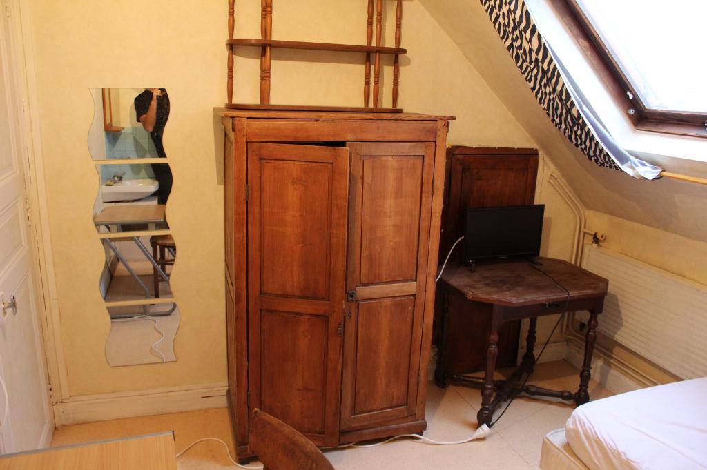 De particulier à particulier Tours, appartement chambre de 10m²