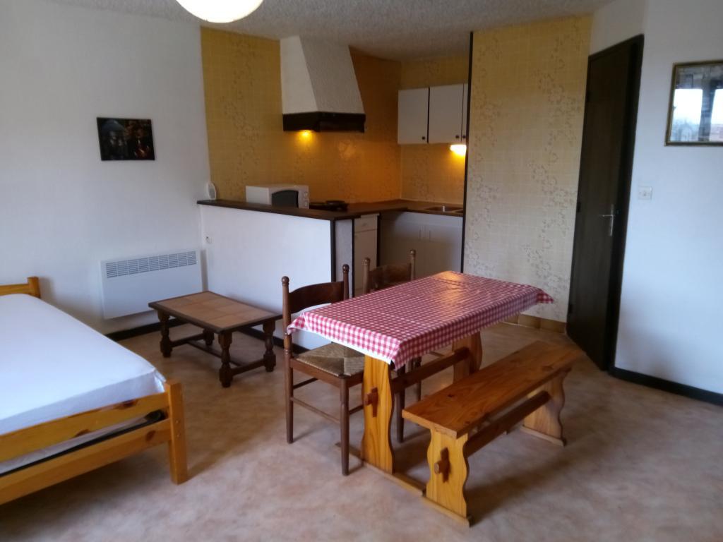 Appartement particulier à Ayvelles, %type de 25m²