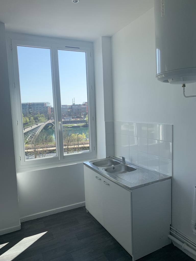 De particulier à particulier Caluire-et-Cuire, appartement studio, 30m²