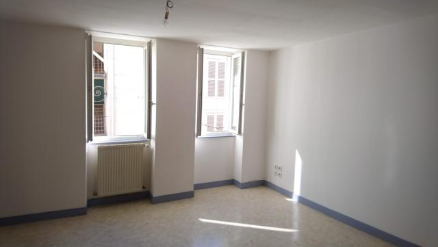 Location appartement T3 St Claude - Photo 2