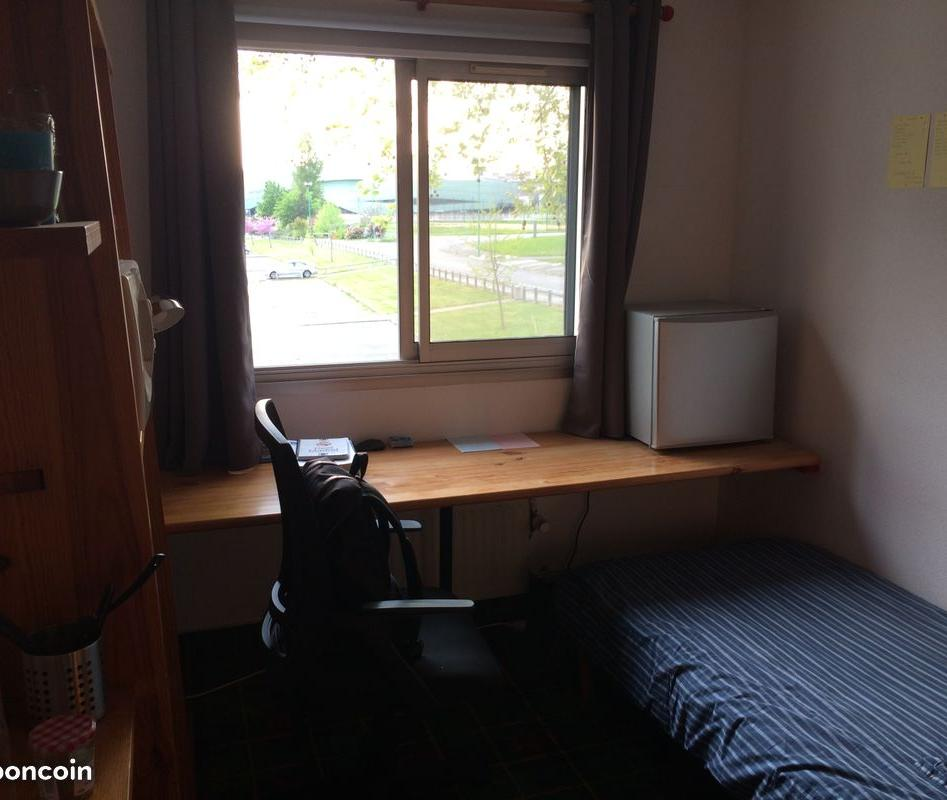 Appartement particulier, chambre, de 10m² à Rennes