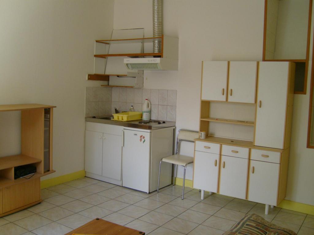 Location appartement entre particulier Lorient, de 18m² pour ce studio