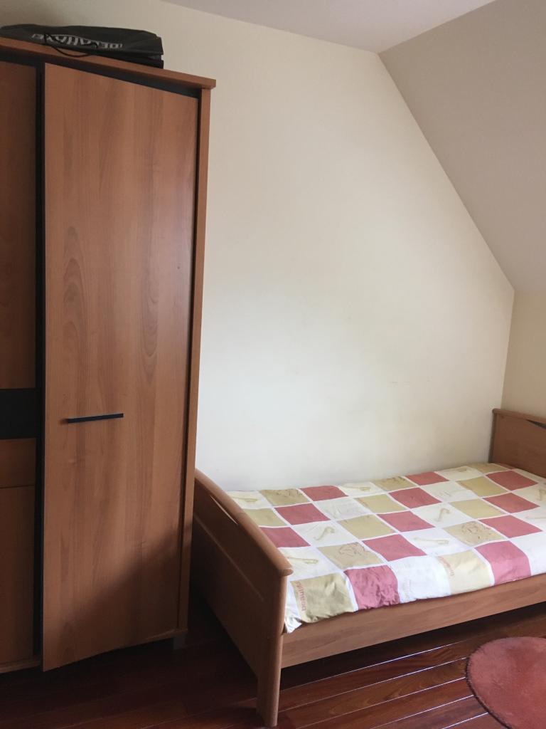Entre particulier , chambre, de 12m² à Azy-sur-Marne