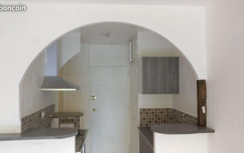 Appartement particulier à Spéracèdes, %type de 24m²