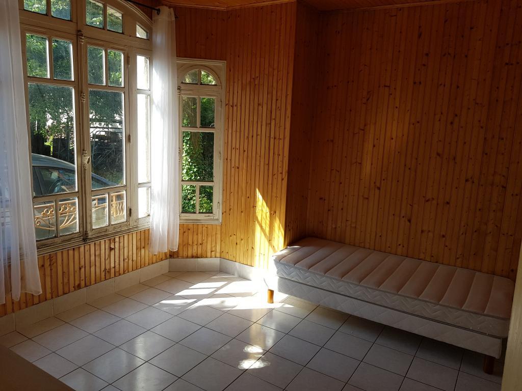 De particulier à particulier, studio à Saint-Pouange, 25m²