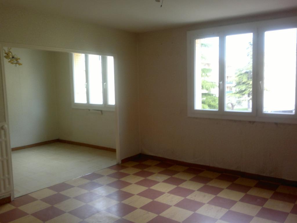 Location particulier Montségur-sur-Lauzon, appartement, de 75m²