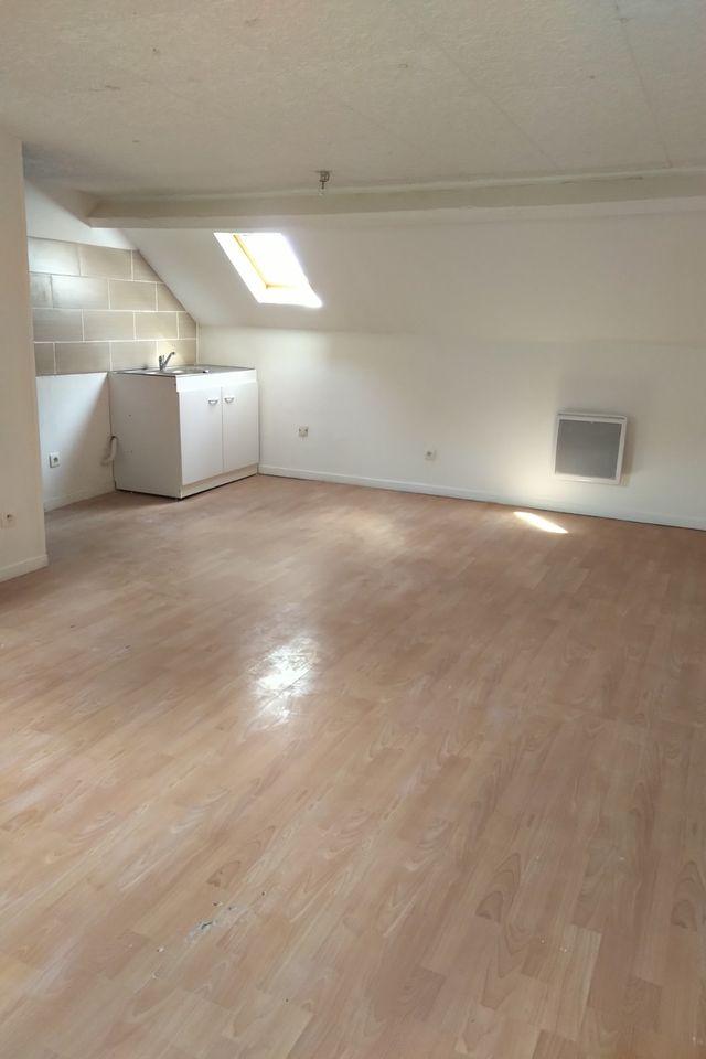 Entre particulier , studio, de 30m² à Remaucourt