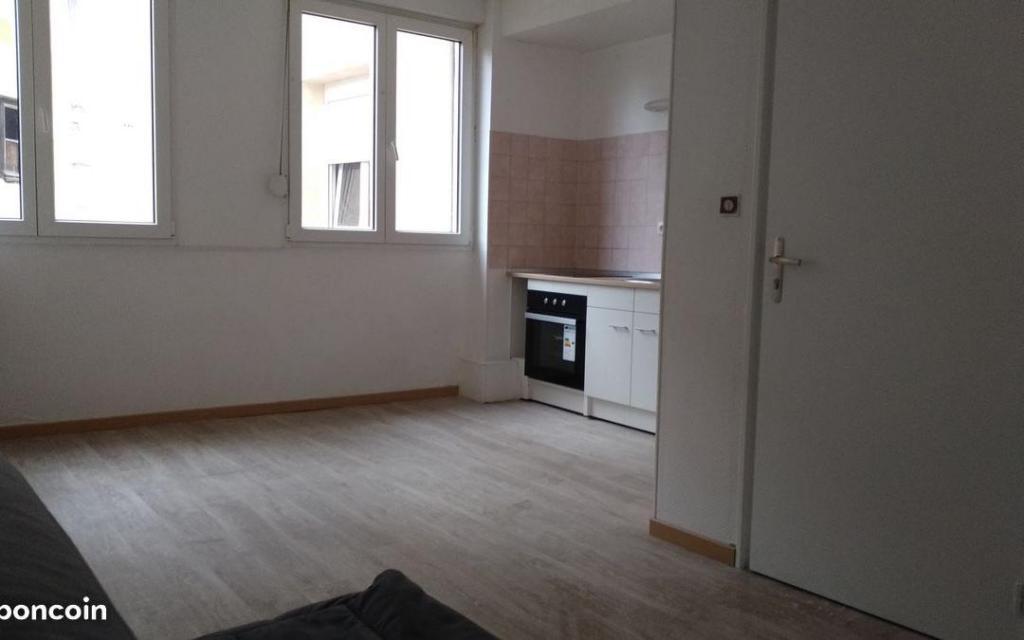 Location appartement entre particulier Montluçon, de 30m² pour ce studio