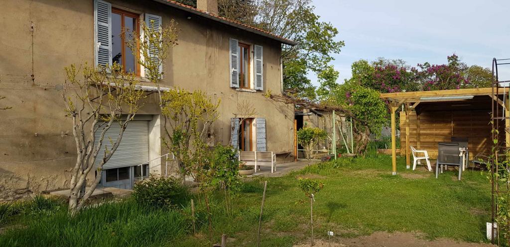 Location de particulier à particulier, chambre, de 15m² à Saint-Genis-Laval