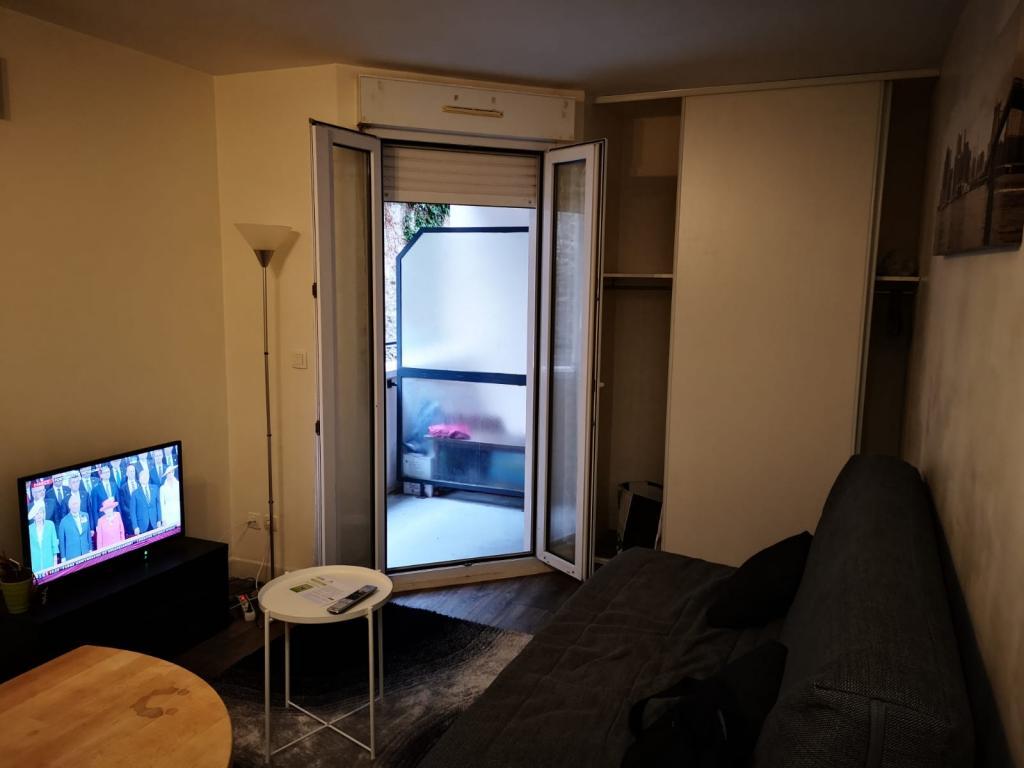 Location appartement entre particulier Vaux-le-Pénil, de 18m² pour ce studio
