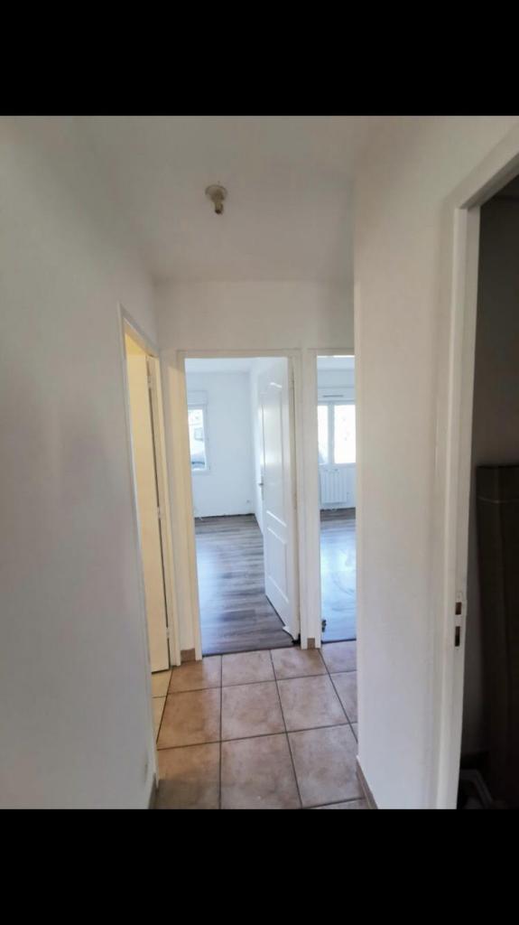 Location appartement entre particulier Saint-Seurin-de-Cursac, appartement de 67m²