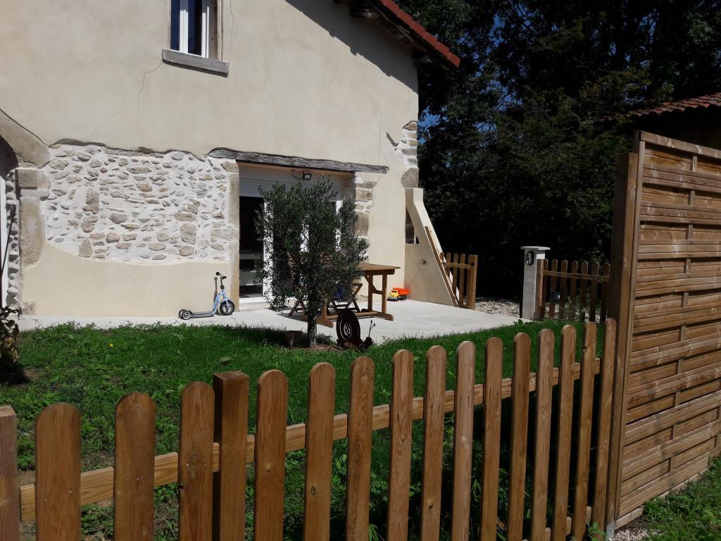 Location appartement entre particulier Montseveroux, de 49m² pour ce maison