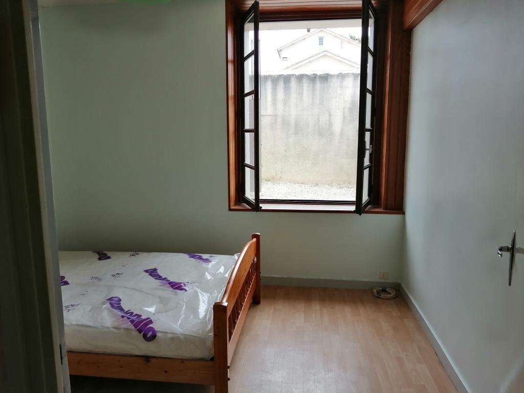 Entre particulier à Vœuil-et-Giget, appartement, de 40m² à Vœuil-et-Giget