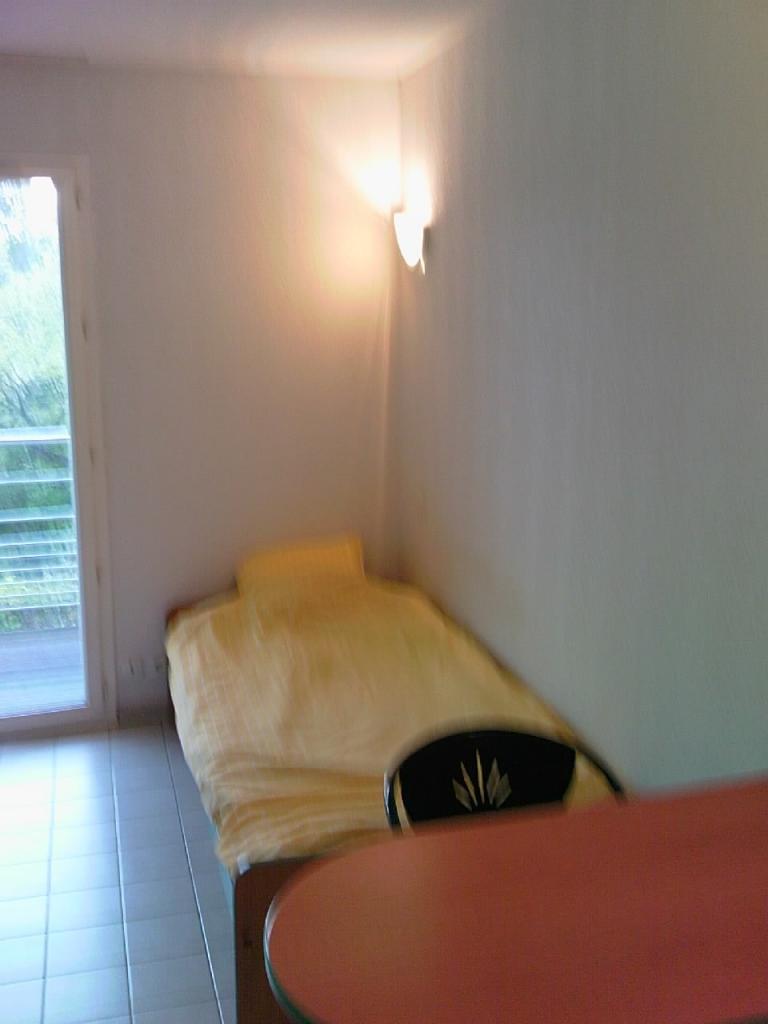 Location particulier à particulier, studio, de 18m² à Valbonne