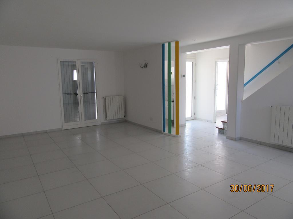 Location appartement entre particulier Montélimar, de 110m² pour ce maison