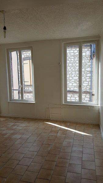Appartement particulier à Paroy-sur-Tholon, %type de 32m²